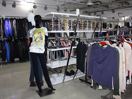 Производство одежды в России устремилось к нулю фото