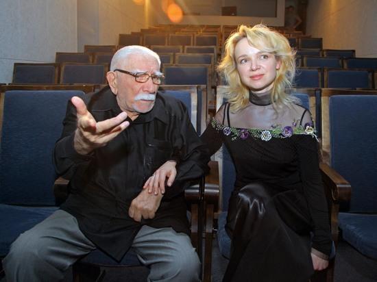 У артиста Армена Джигарханяна втеатре украли паспорт