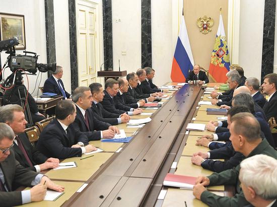 Путин и вирусы: на Совбезе в закрытом режиме обсудили хакеров