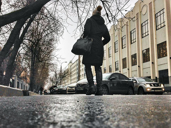 Самокаты и слинги стали опасными: ледовое побоище в столице