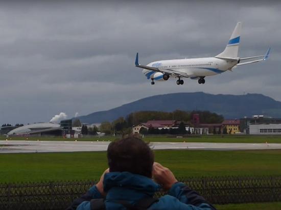 Пассажирский самолет едва неразбился при посадке вЗальцбурге
