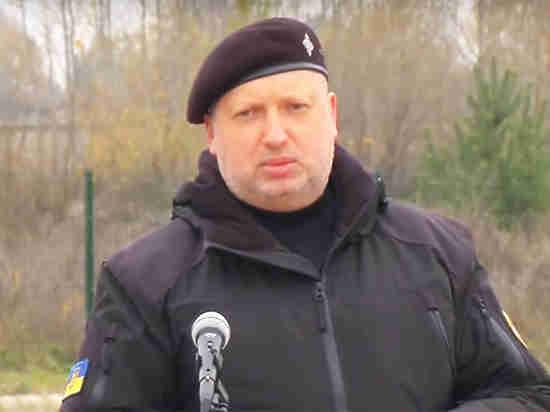 Турчинов: Российская Федерация  уже стягивает кгранице Украинского государства  собственных  «крашеных миротворцев»