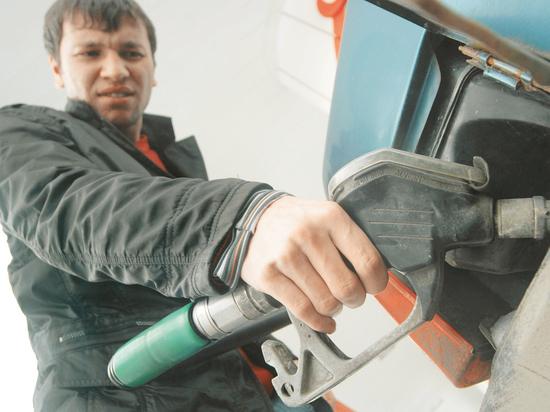 Дороже нефти: цены на бензин в России только повышаются