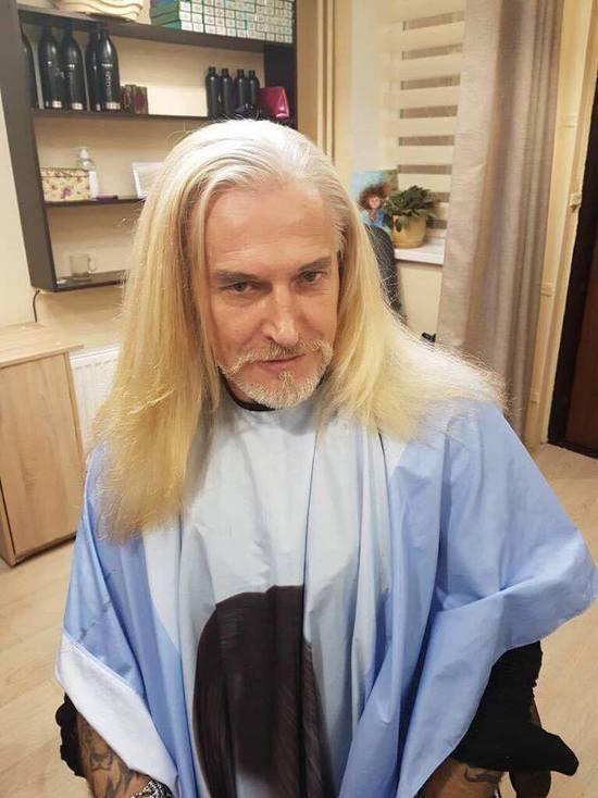 Стилист оценил новый имидж Джигурды: стал блондином и покрасил брови