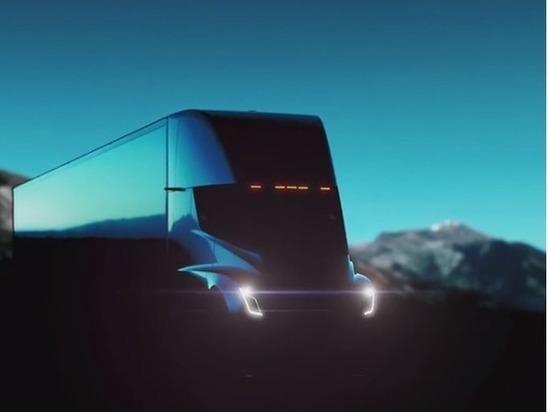 Илон Маск обещает, что новый грузовой автомобиль Tesla «взорвёт мозг» зрителям
