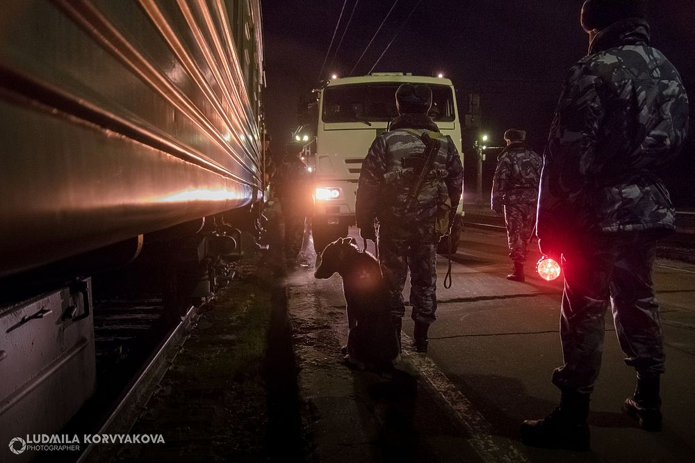 Постой, паровоз: как перевозят заключенных по железной дороге