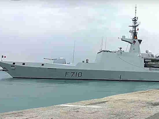 Французский фрегат «Гепрат» вошел вЧерное море