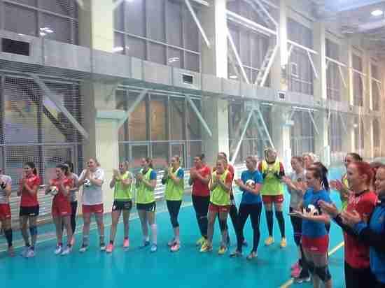 Президент ФГБ Шишкарёв установил задачу женской русской сборной выигратьЧМ погандболу