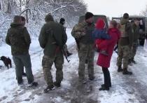 Штаб АТО в своей странице во Facebook заявил, сколько заранее украинские военнослужащие взяли по-под наблюдение села Травневое равно Гладосово на Донецкой области на нейтральной зоне на районе Горловки, остающейся подина контролем ополченцев