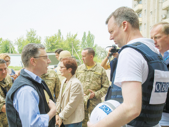 Украина должна быть готова амнистировать боевиков идать особый статус Донбассу— Волкер