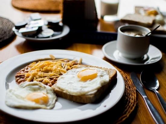 Отказ от завтрака оказался чреват диабетом, ожирением и гипертонией