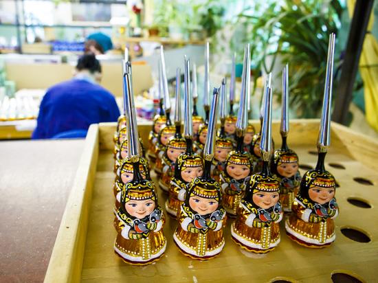 Путешествие в сказку: раскрыт секрет создания стеклянных елочных игрушек