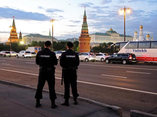 Кремль поручил регионам одновременно вывесить агитационные лозунги кпрезидентским выборам