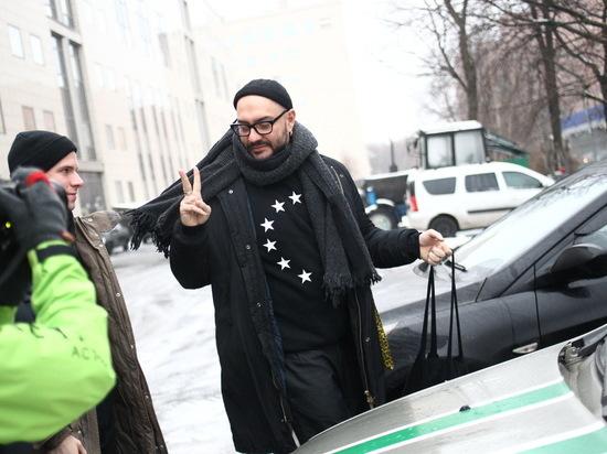 «Родные держаться не могут»: Серебренникова оставили под домашним арестом