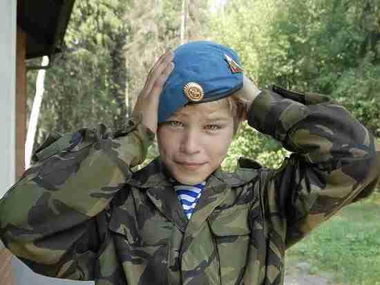 «Запишут в уклонисты»: в Приморье повестки в военкомат получили  второклассники