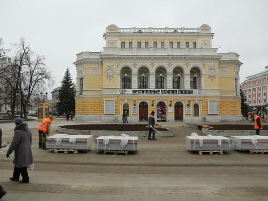 Работы на главной улице Нижнего Новгорода «обрастают» дефектами