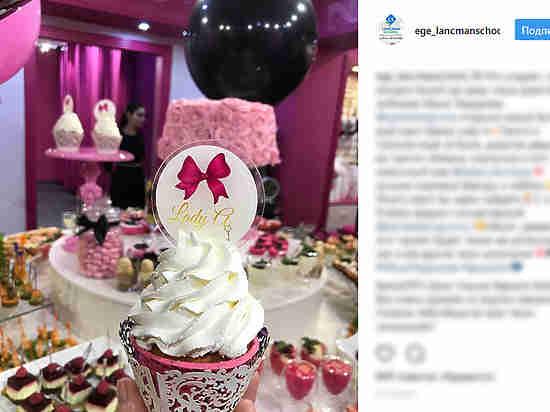 Дочь Кадырова открыла магазин эротического белья