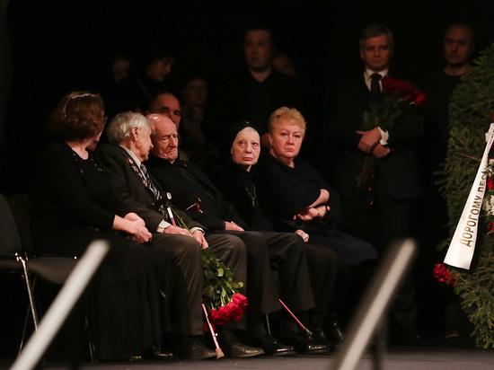 Прощание с Леонидом Броневым в «Ленкоме» получилось странным