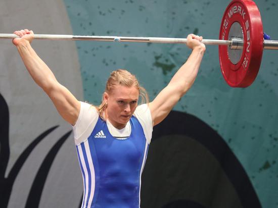 У России появилась первая олимпийская чемпионка потяжелой атлетике