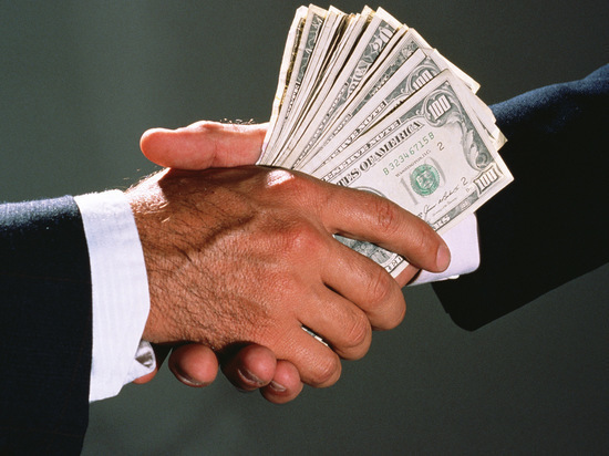 ЦБ захотел заглянуть в карман топ-менеджерам
