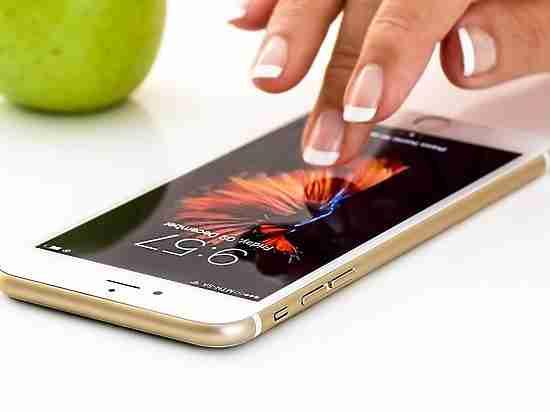 В Японии изобрели самовосстанавливающееся стекло для экрана смартфонов