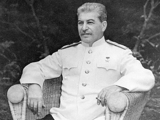 Как Сталин и Берия проиграли мне в бильярд