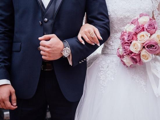 Украинцев нехотят женить без справки извоенкомата