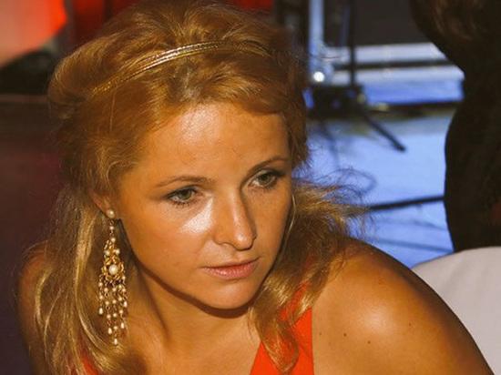 ФБК обвинил Пескова в закупке бывшей жене сверхдорогой парижской квартиры