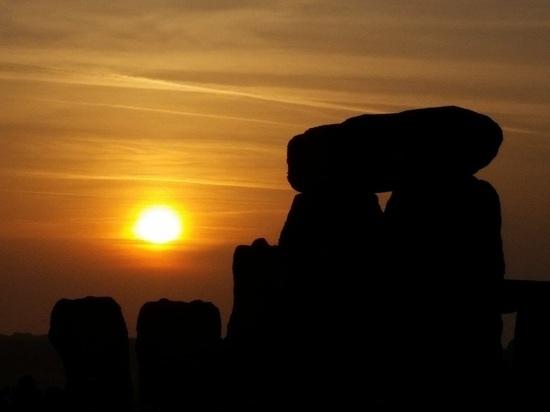Зимнее солнцестояние 2017: наступил «день рождения непобедимого солнца»