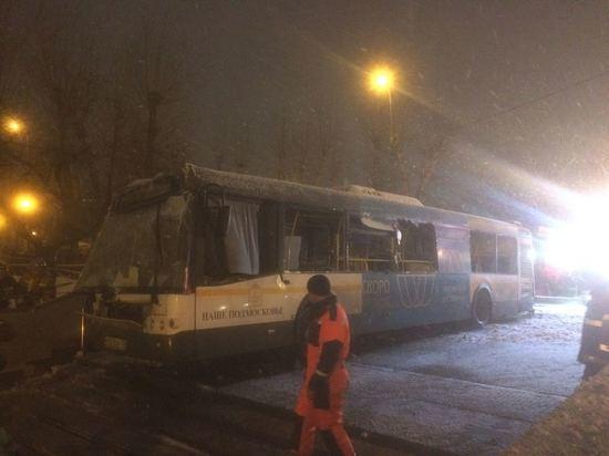 Автобус рухнул в подземный переход на «проклятом месте»