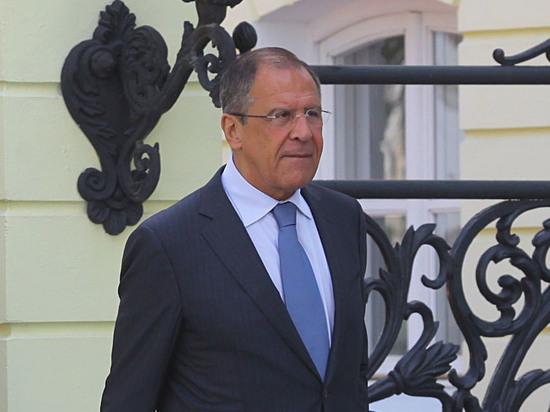Лавров порекомендовал жителям РФ продолжать шутить исмеяться в 2018-ом году