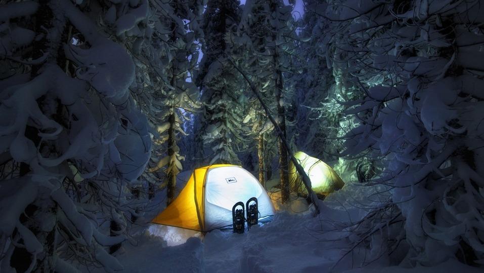 Топ-5 необычных сценариев встречи Нового года: от леса до пещеры