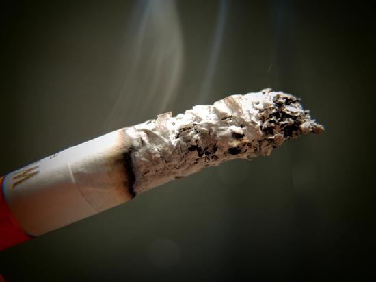 Две трети людей, выкуривших одну сигарету, становятся заядлыми курильщиками