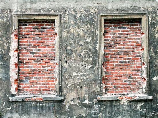 Якутский суд потребовал отмногодетной семьи замуровать окна вдоме