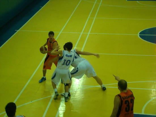Баскетболисты «Динамо» борются за место в «большой четвёрке»