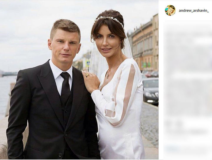 Откровения фотомодели про Аршавина с женой: «Меня Бог уберег»