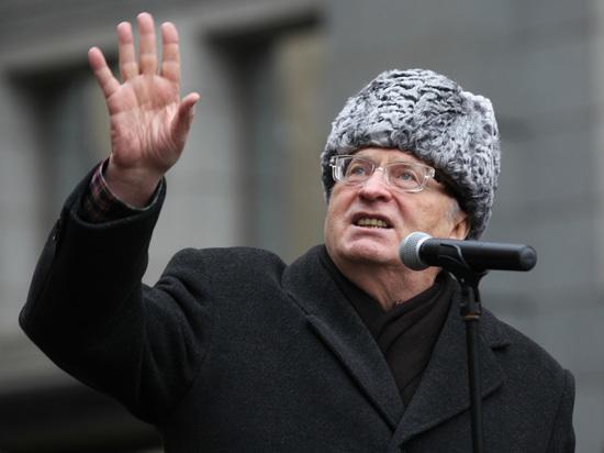 «Будем вас уничтожать»: Жириновский устроил скандал впрямом эфире