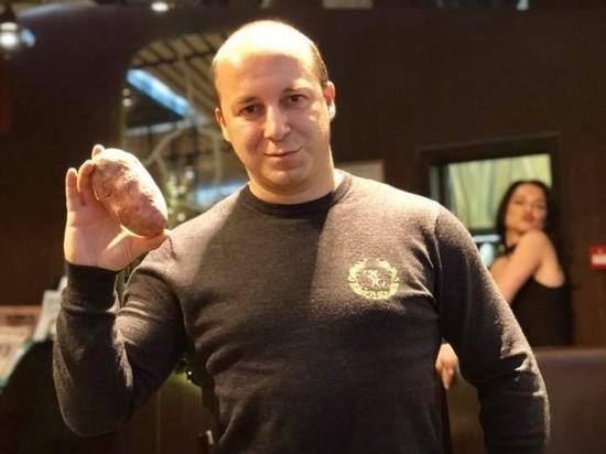 """МВД пообещало проверить вымогательство полицией скидок в """"одном кафе"""""""