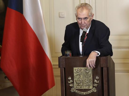 Второй срок Земана откладывается: чехи выберут президента в следующем туре