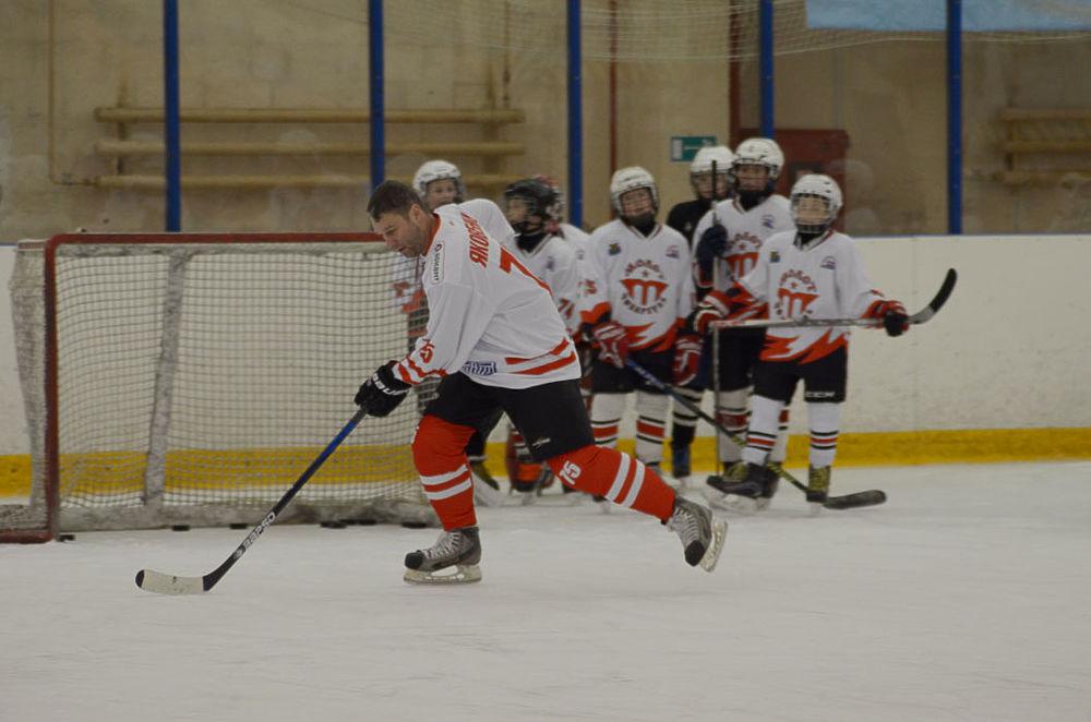 «Легенде №17» - 70 лет! В Чебаркуле состоялся хоккейный матч в честь юбилея Валерия Харламова