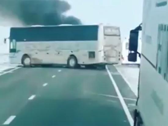 В сгоревшем в Казахстане автобусе погибли больше 50 человек