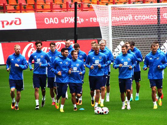 Сборная РФ пофутболу улучшила позиции врейтинге ФИФА