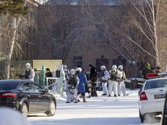"""""""Подпирали дверь, чтобы не выбежал"""": поминутная картина нападения на бурятскую школу"""