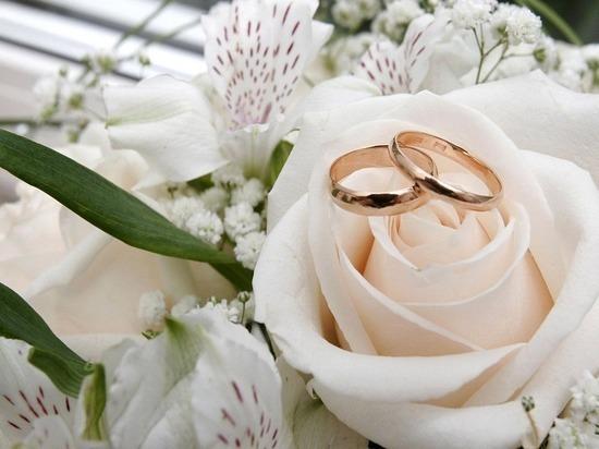 В РФ могут гражданские браки приравнять кофициальным
