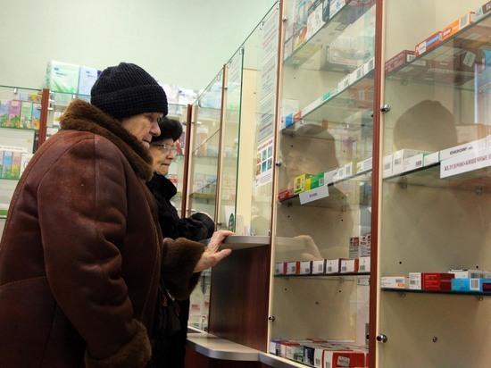 ФАС собралась заставить аптеки предлагать дешевые аналоги лекарств