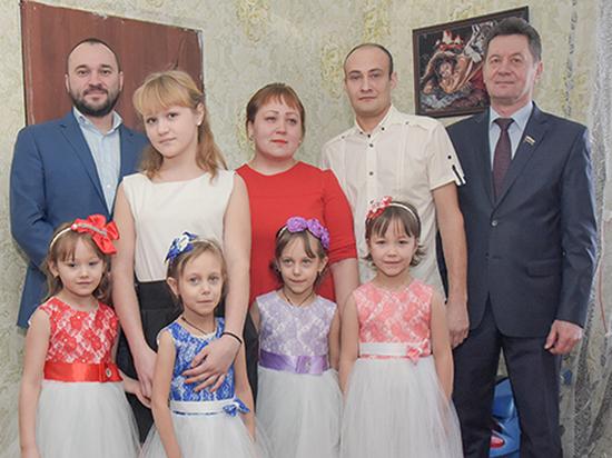 Многодетная семья из Исетского района получит новое жилье