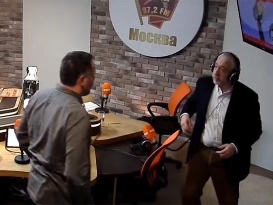 Гопота получила сигнал мочить: нежурналист Шевченко и журналист Сванидзе