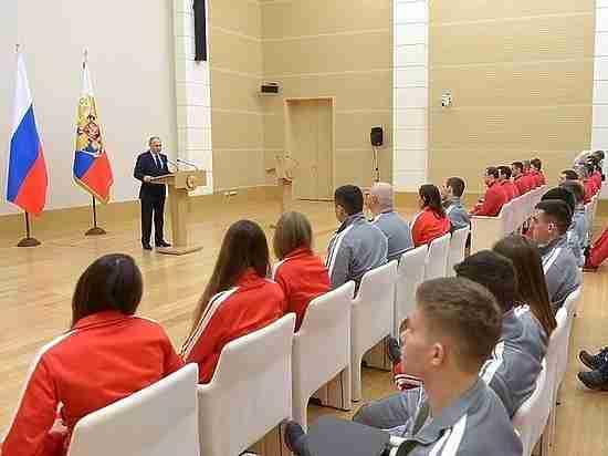 Олимпийцы на встрече с Путиным разругали блеклую форму