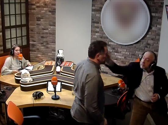 Сванидзе и Шевченко отказались пожать руки после драки в радиоэфире