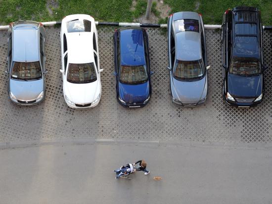 Афера с машино-местами обернулась для московского чиновника условным сроком